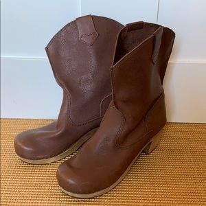 Sanita wooden booties